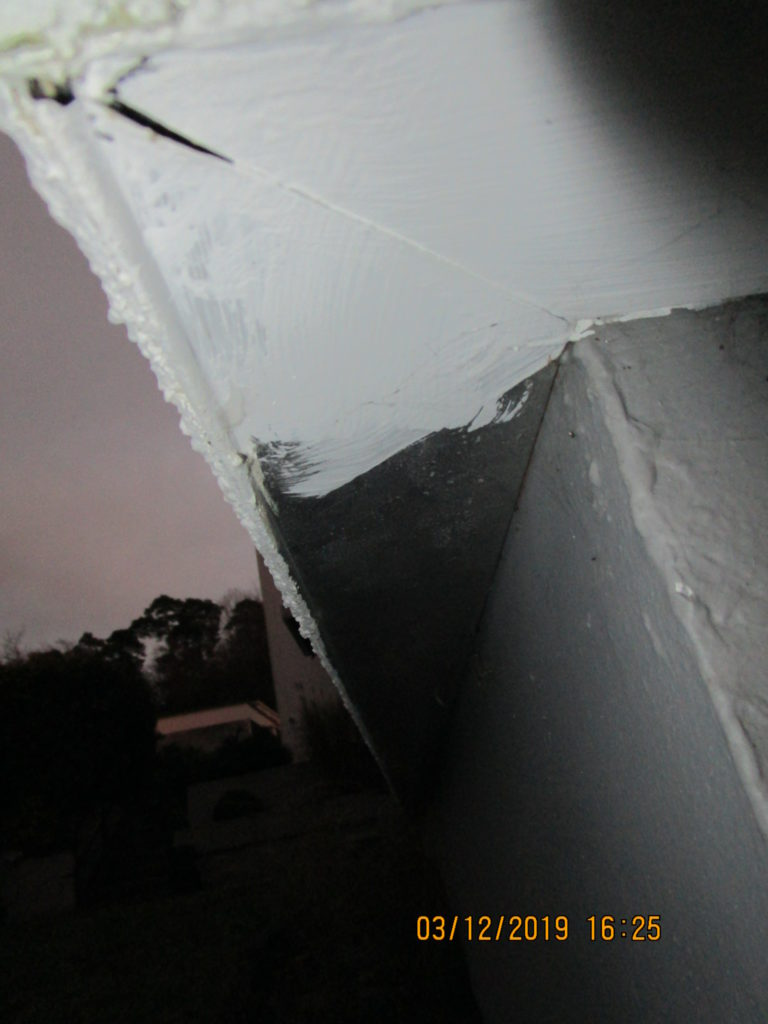 Eckdetail Alu-Abschluss-Schiene des Wärmedämmverbundsystems